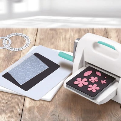 Machines de scrapbooking et Big Shot de Sizzix