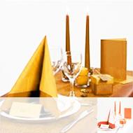Table nuance jaune-orangé
