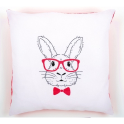 Kit coussin broderie traditionnelle lapin à lunettes